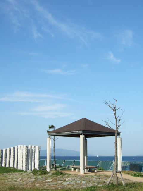 海の見えるベンチ.JPG