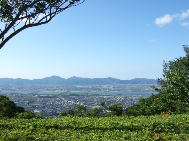徳島市北部 阿讃山脈.JPG