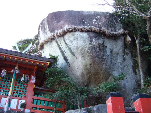 神倉神社 ゴトビキ岩.JPG