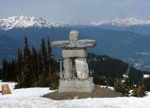 A statue of Ilanaaq.jpg