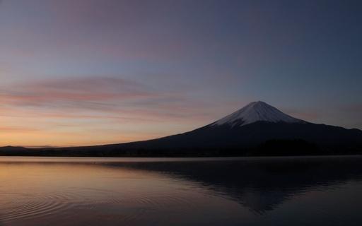 初冬 朝焼け 富士山 山梨.jpg