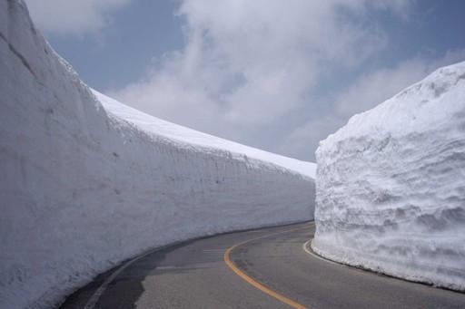 雪の大谷 立山黒部アルペンルート 富山.jpg